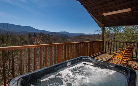 Misty mountain gatlinburg log cabin in gatlinburg tn for Rent cabin smoky mountains
