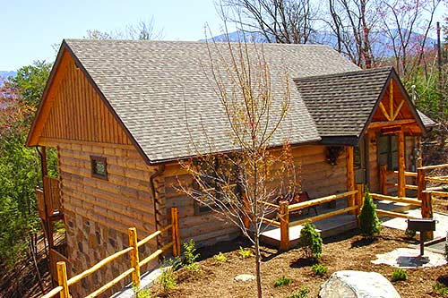 A Wolf 39 S Den Gatlinburg Log Cabin In Gatlinburg Tn