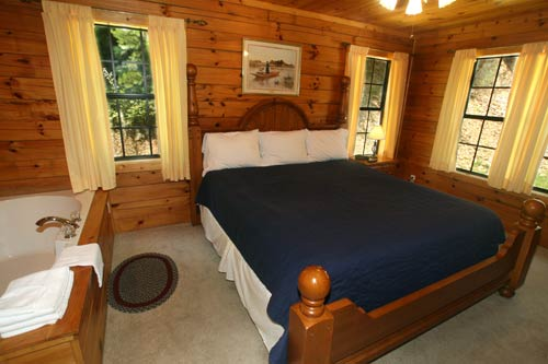 Beary Cozy Log Cabin in Glades Arts and Crafts Community, Gatlinburg