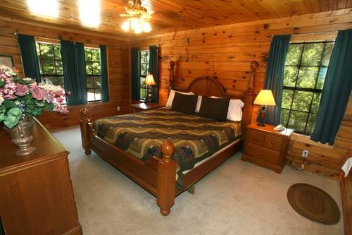 Beary Cozy in Gatlinburg  Tennessee  Bedroom 2. Beary Cozy  Gatlinburg Log Cabin in Gatlinburg  TN