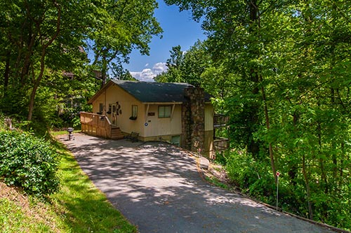 Bear ridge gatlinburg chalet in gatlinburg tn for Bear ridge cabin rentals
