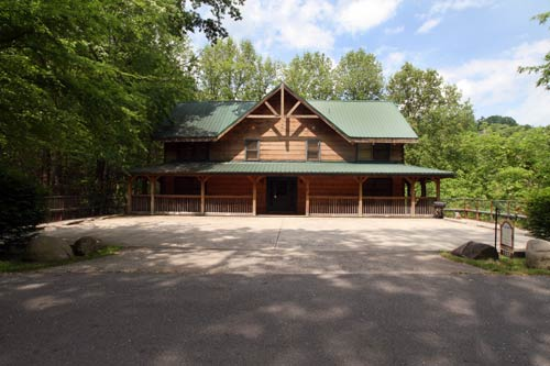 Big bear gatlinburg log cabin in gatlinburg tn for Large cabin rentals in tennessee